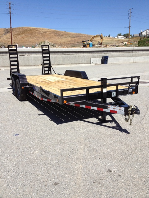 LOAD TRAIL 83X20′ EQUIPMENT HAULING TRAILER FOR SALE