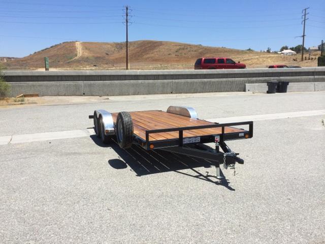LOAD TRAIL 83X18′ FLAT DECK DOVE TAIL CAR HAULER